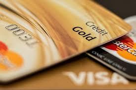 クレジットカードとカードローン、審査の違いはあるのか?